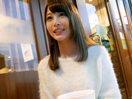 <美少女ロリ>現役女子大生がまさかのAVデビュー!パイパン割れ目にピチピチの19歳が超かわいいww<処女作>