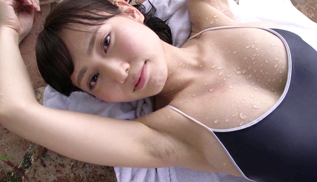 桜井えりなの黒々ジョリ腋 (3)