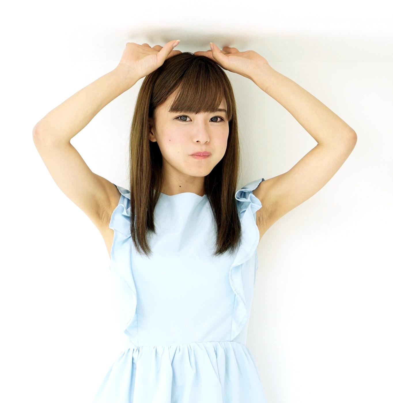 田中優衣のザラ腋 (4)