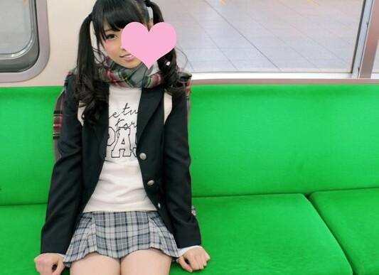 【女子校生】スレンダーでエロい貧乳の女子校生JKの、激イキ乱交輪姦プレイ動画!