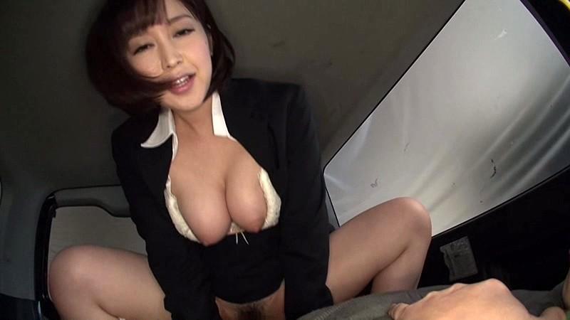 パンスト姿のOL美女、篠田ゆうの主観パンチラ枕営業無料エロ動画。【カーセックス動画】