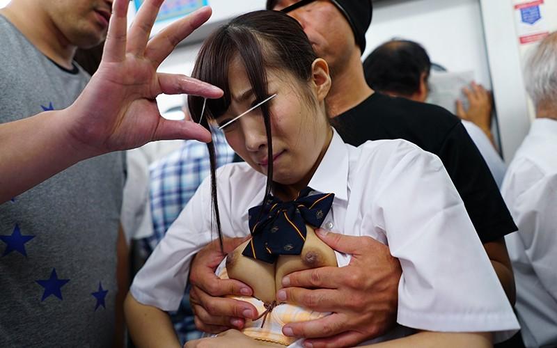 制服姿の女子校生JKの、痴漢フェライラマチオ無料H動画。【レイプ動画】