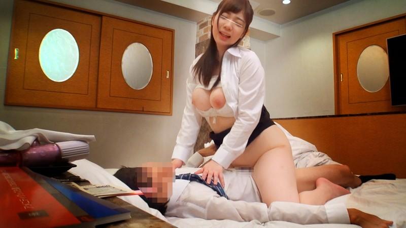 【OL フェラ】巨乳のOLの、モニタリング中出し不倫プレイが、オフィスで!