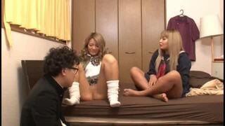 【おっぱい】教室にて、ビッチ淫乱な制服姿のギャルJKの、ハーレム騎乗位無料動画!【ギャル、JK、痴女、女子校生動画】
