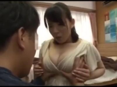 超乳の痴女おばさん、吉川あいみのセックス中出し誘惑無料動画!【吉川あいみ動画】