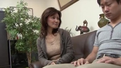 五十路の人妻おばさんの、接吻中出しフェラ無料動画。【唾液動画】