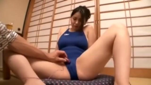 美人欲求不満な浴衣姿の人妻、菜月アンナのセックス不倫寝取られ無料H動画!【夜這い動画】