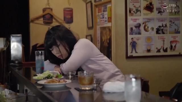 ホテルにて、泥酔な着衣で巨乳のお姉さんOLの、セックス着エロレイプ無料エロ動画。【お姉さん、OL動画】