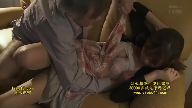 【人妻 不倫】スレンダー美人でHなパンスト姿の人妻の、不倫手コキプレイ動画!!エロい体してます!