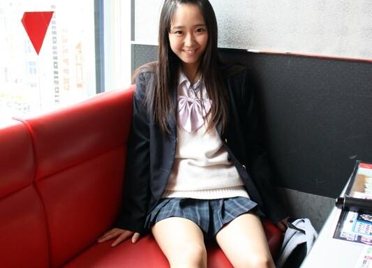 ラブホにて、ロリでパイパンで貧乳のJK女子校生の、中出し無料エロ動画!【JK、女子校生、ギャル、素人動画】