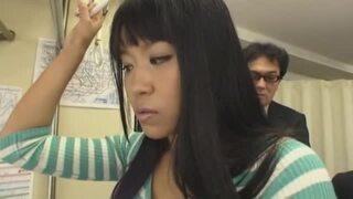 巨尻でぽっちゃりで爆乳のお姉さんの、レイプ痴漢手コキ無料H動画。【フェラ動画】