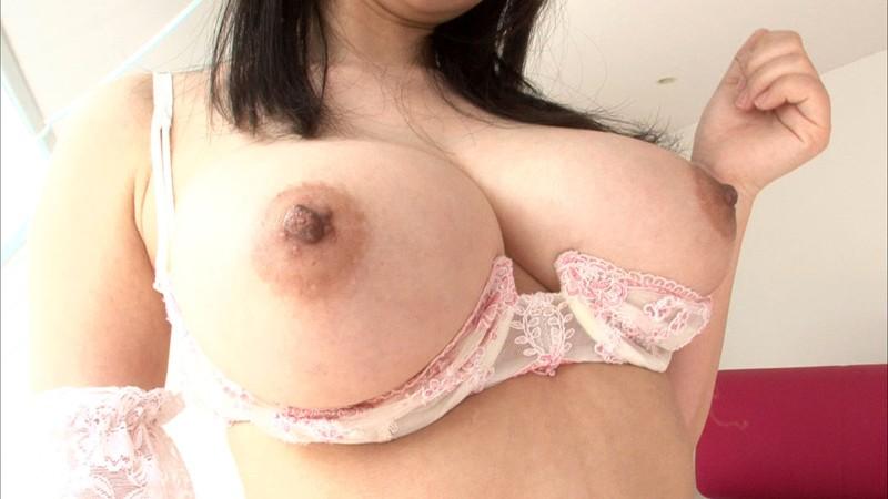 【吉永あかね コスプレ】巨乳のメイドお姉さんの、吉永あかねのコスプレ主観パイズリプレイ動画。