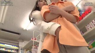 巨乳の痴女、初川みなみのM男セックス乳首舐め無料エロ動画。【淫語、手コキ動画】