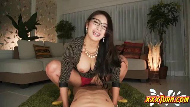 【痴女】ドSでHなメガネの痴女マダムの、言葉責め騎乗位セックスプレイ動画!!