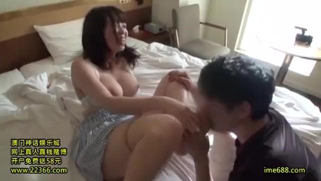 【おっぱい】ホテルにて、爆乳の素人の、素股中出しセックス無料動画。【絶頂、パイズリ、フェラ、バック、騎乗位動画】