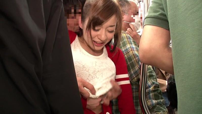 【お姉さん 痴漢】ドMでHな巨乳のお姉さんの、痴漢プレイがエロい。エロい乳してます!