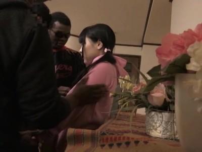 【黒人】ロリで貧乳の美少女の、レイプイラマチオ無理矢理無料H動画。【美少女動画】