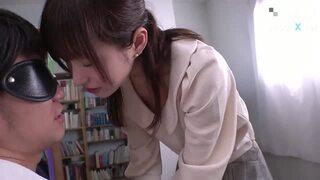 ミニスカのお姉さん痴女、天使もえのフェライタズラ無料H動画!【天使もえ動画】