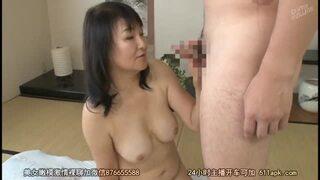 六十路で巨乳の人妻熟女の、初撮り無料動画!【人妻、熟女動画】