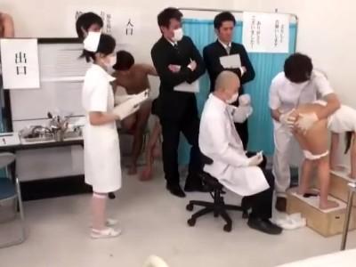 パイパンで美乳の女子校生JKの、イタズラ健康診断セックス無料エロ動画!【アナル動画】