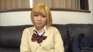 【ギャル コスプレ】制服姿の素人美少女の、手コキベロチュー騎乗位プレイエロ動画!!可愛らしすぎる!【家出】