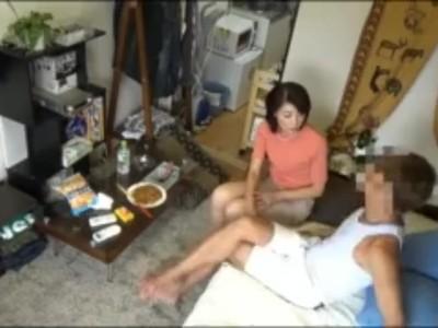 五十路のおばさん人妻の、フェラ無料エロ動画!【おばさん、人妻、熟女、素人動画】