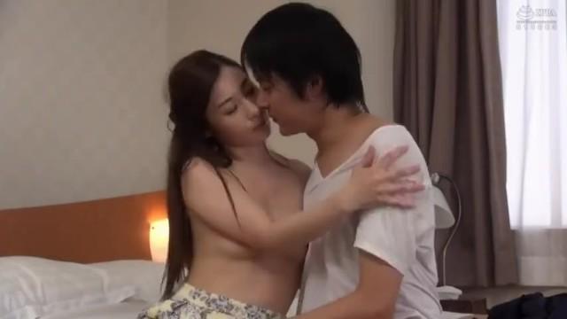 【人妻 ベロチュー】スレンダーな人妻の、不倫sexベロキスが、ホテルにて…!!【ヤバイやつ】