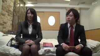 ホテルにて、ムチムチのOL同僚の、中出しモニタリング無料H動画。【OL、同僚、素人動画】