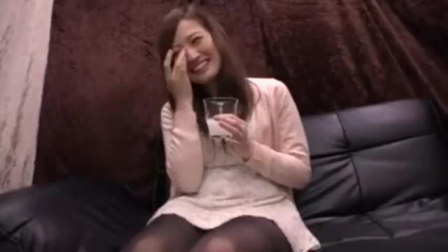 セレブ泥酔上品な素人熟女の、寝取られ無料H動画!【素人、熟女、人妻動画】