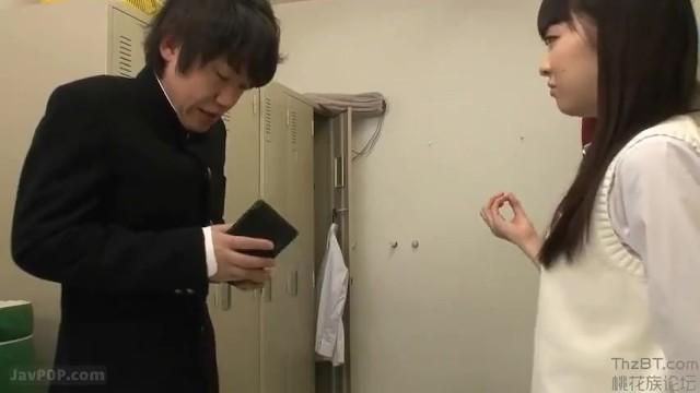 【トイレ】制服姿のJK女子校生の、フェラ騎乗位無料H動画。【JK、女子校生動画】