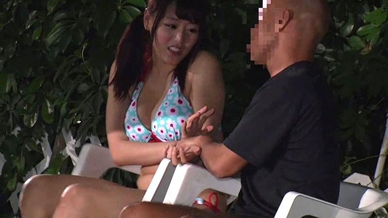 【女の子 バイブ】水着でプリケツの女の子のバイブ痴漢ロータープレイがエロい。