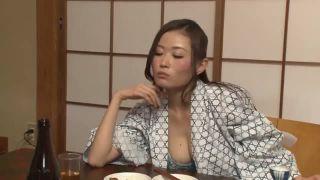 【熟女 騎乗位】泥酔でエロい浴衣姿の熟女女上司の、騎乗位パイズリ69プレイ動画!