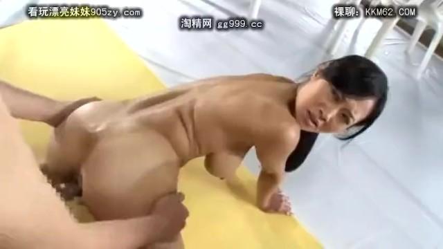 【おっぱい】巨乳の素人の、近親相姦乱交無料動画!【素人動画】