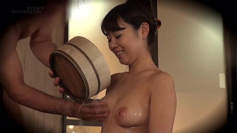 【美少女 覗き】美乳の美少女JDの、覗きセックスモニタリングプレイが、男湯にて…。