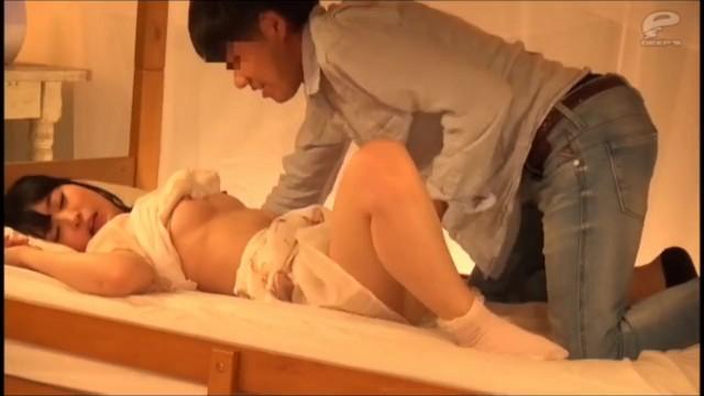 スケベなデカパイの素人女子大生の、寝取られ中出し無料動画。【素人、女子大生動画】