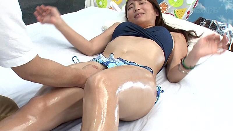 【倉多まお】巨乳のお姉さん、倉多まおの正常位寝取られセックスプレイが、マジックミラー号にて…。いい乳してます!