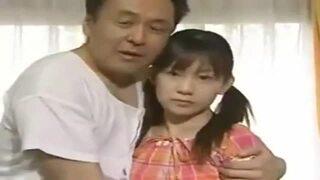 【ヘンリー塚本作品】ツインテールなロリの女子校生JKの、フェラ近親相姦無料動画!【女子校生、JK動画】