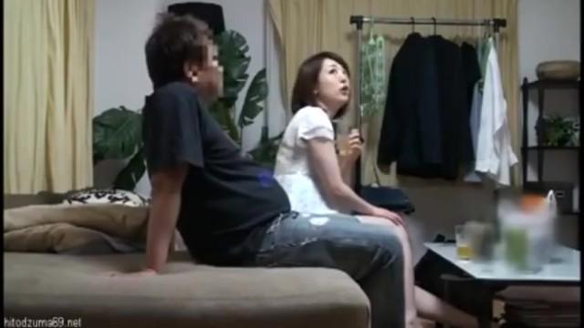 巨乳の素人人妻の、ハメ撮り寝取られ絶頂無料動画!【クンニ、痙攣動画】