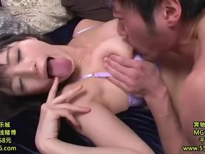 【高橋しょう子】巨乳のお姉さん、高橋しょう子のだいしゅきホールドキスプレイ動画。いい乳してます!