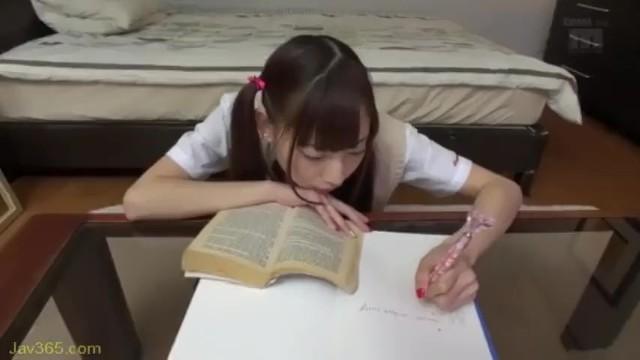 制服姿のJK美少女、真野ゆりあのフェラレイプ主観無料エロ動画!【真野ゆりあ動画】
