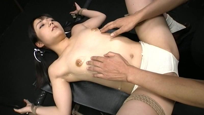 パイパンで貧乳でロリの女の子、有本紗世の拘束中出し調教無料動画!【アナル動画】
