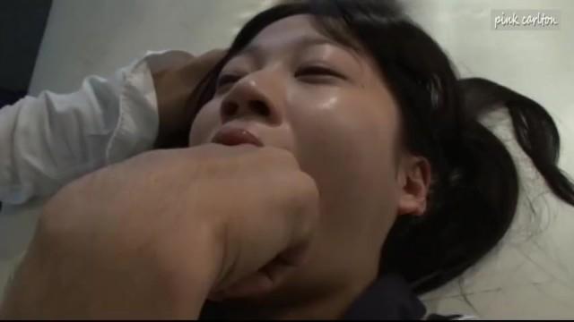 制服姿のJK女子校生の、フェラ拘束イマラチオ無料エロ動画。【JK、女子校生動画】