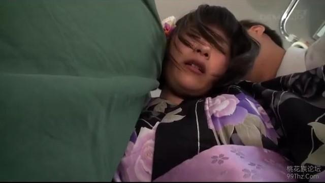 【ヤバイやつ】ロリで浴衣姿の女性の、悪戯手マンレイプ無料H動画。【痴漢、中出し動画】