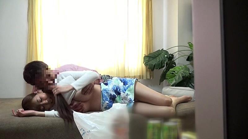 【素人】巨乳の素人人妻の、着エロ騎乗位他人棒エロ動画!いい乳してます!