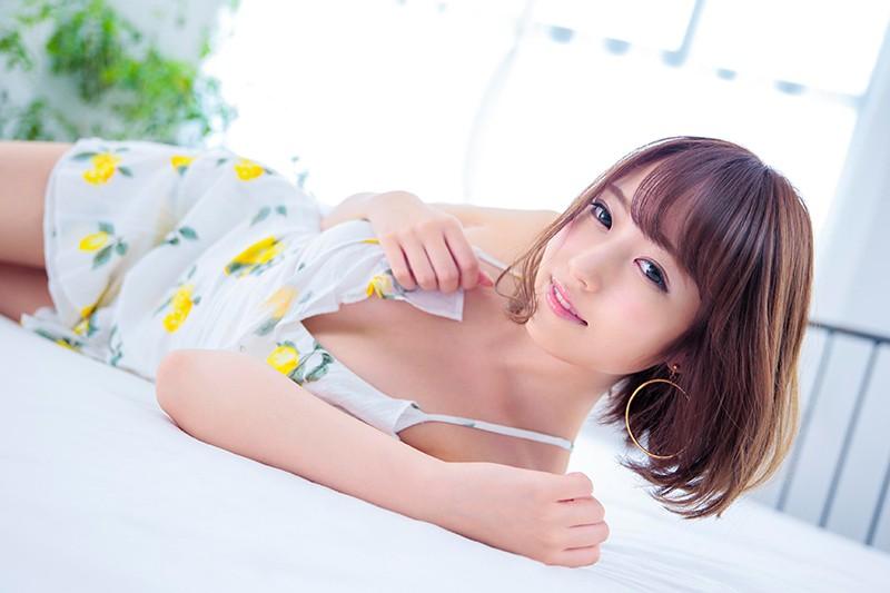 【女子大生 催眠】セクシースレンダーなHな巨乳の女子大生の催眠フェラ媚薬プレイエロ動画。