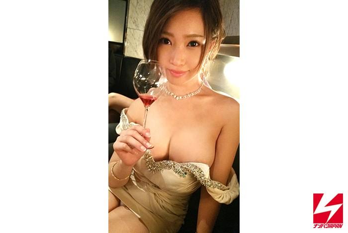 ホテルにて、スレンダーな巨乳のギャルキャバ嬢の、中出しセックスフェラ無料動画!【枕営業動画】
