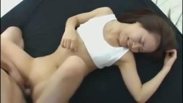 ロリでパイパンの、加賀美シュナのフェラ無料動画!【加賀美シュナ動画】