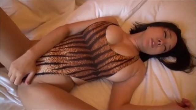 【おっぱい】神乳でロリで巨乳の痴女お姉さん、羽生ありさ(小峰ひなた)の濃密SEXハメ撮りプレイがエロい!エロい乳してます!