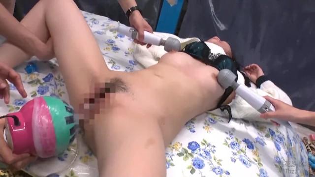 マジックミラー号にて、着衣の女性の、クンニバックバイブ無料動画。