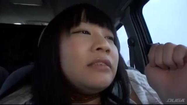 パイパンの美少女の、お漏らし羞恥おしっこ無料動画!【美少女動画】